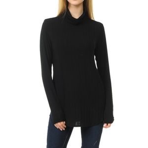 Black Curved Hem Top With Thumb Hole